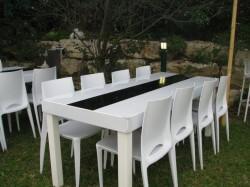 שולחן אבירי עם פס שחור
