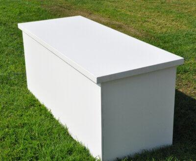 שולחן בוצ'ר לבן