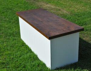 שולחן בוצ'ר לבן אגוז
