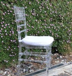 כיסא צ'יברי שקוף